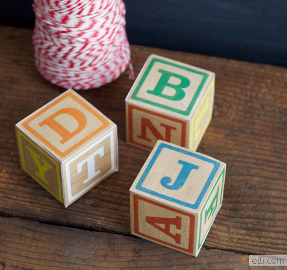 DIY alphabet block boxes (via elli)