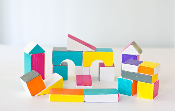 DIY bold building wooden blocks (via hellowonderful)