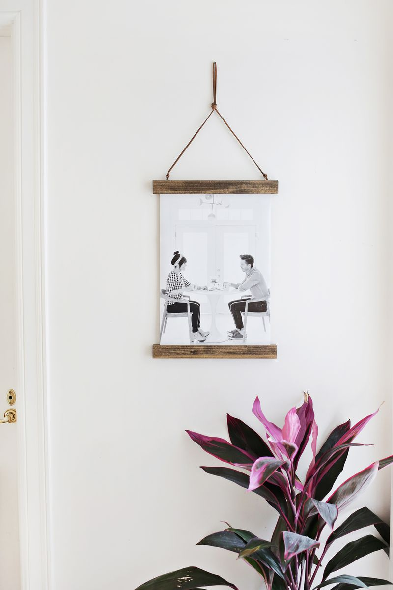 Easy DIY Poster Hanger For Your Photos