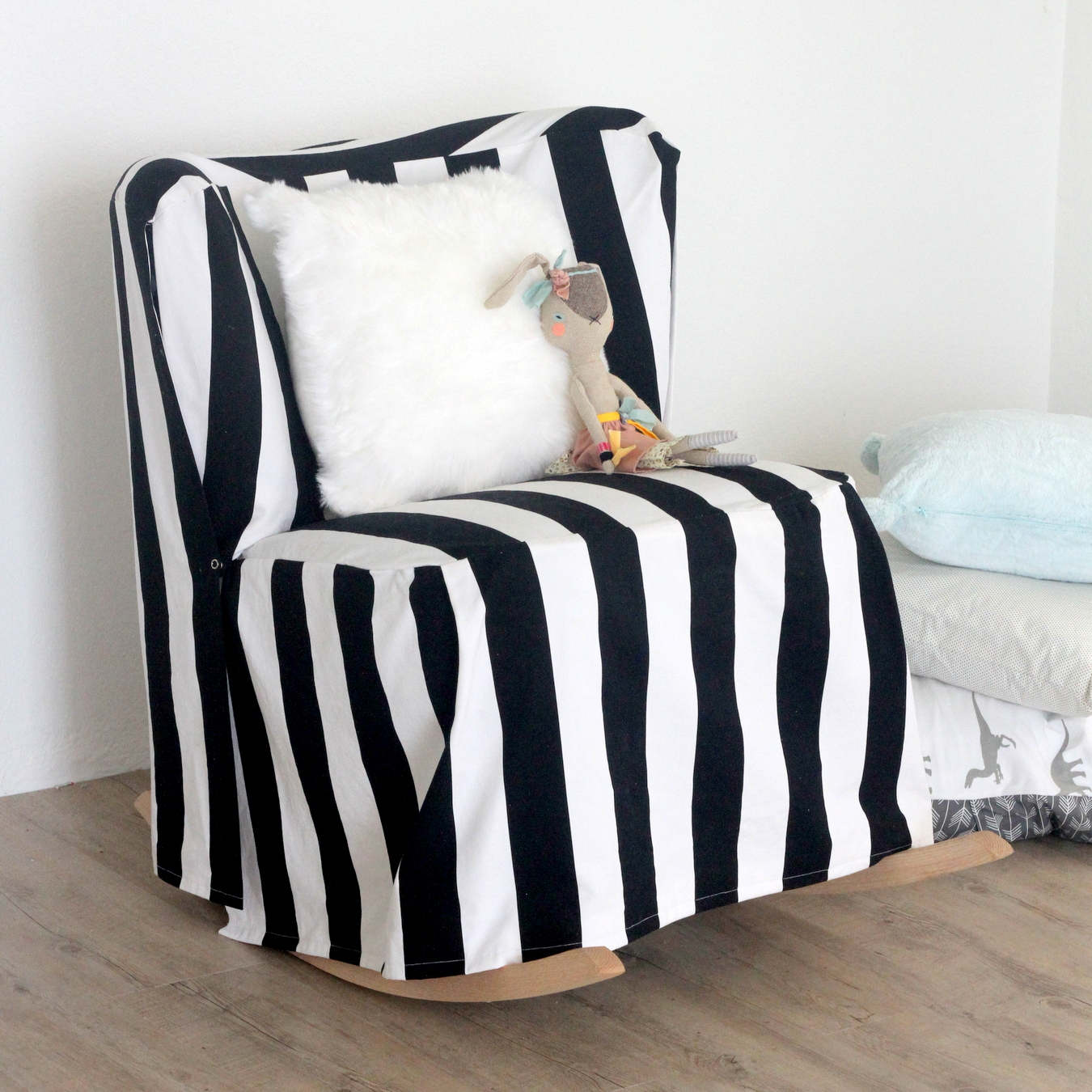 Picture Of easy diy striped chair slipcover  1