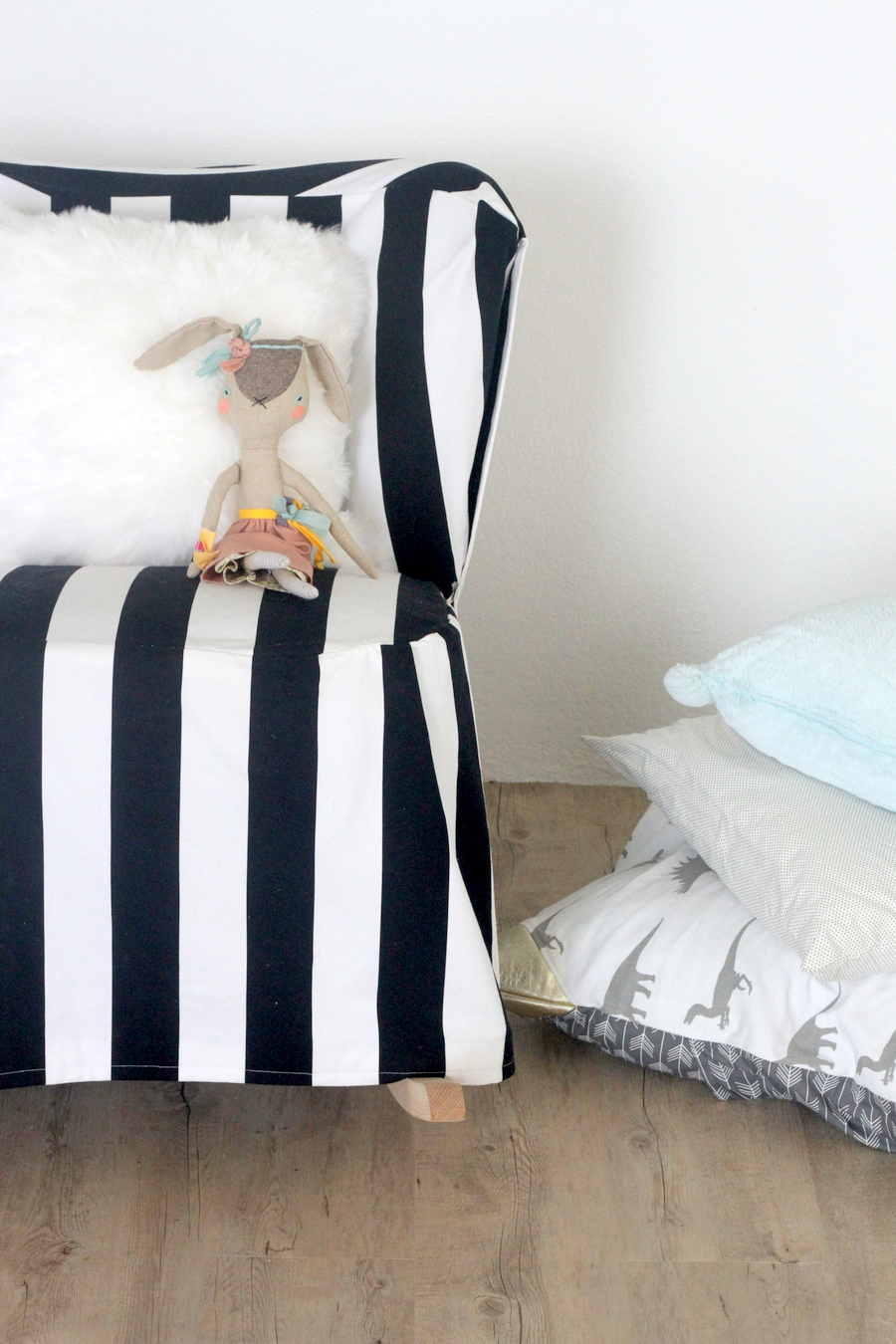 Picture Of easy diy striped chair slipcover  5