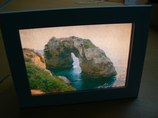 DIY lit photo frame (via ikeahackers)