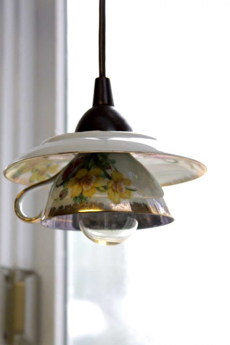 Eye catchy diy teacup pendant light shades shelterness for Diy pendant light