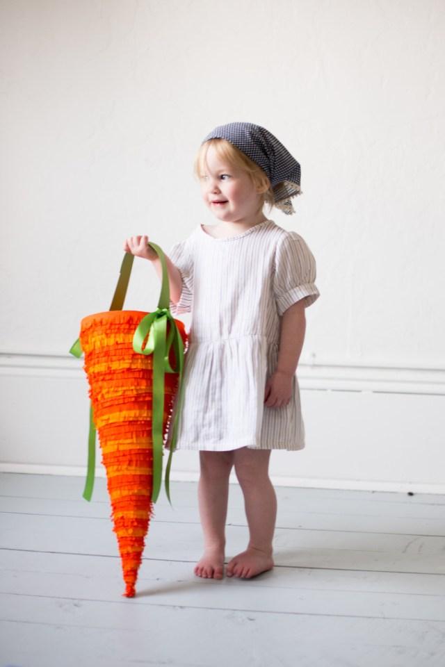 DIY carrot candy holder