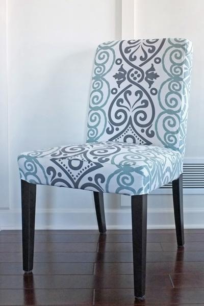 DIY dining chair slipcover from a tablecloth (via tealandlime)