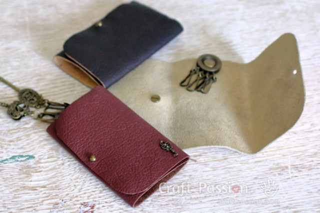 Picture Of stylish diy no sew leather key pouch  1