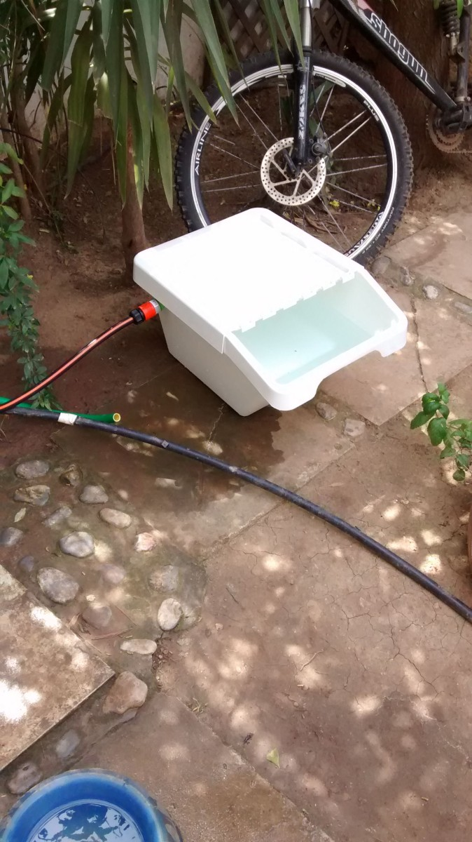 DIY Sortera dog water feeder (via ikeahackers)