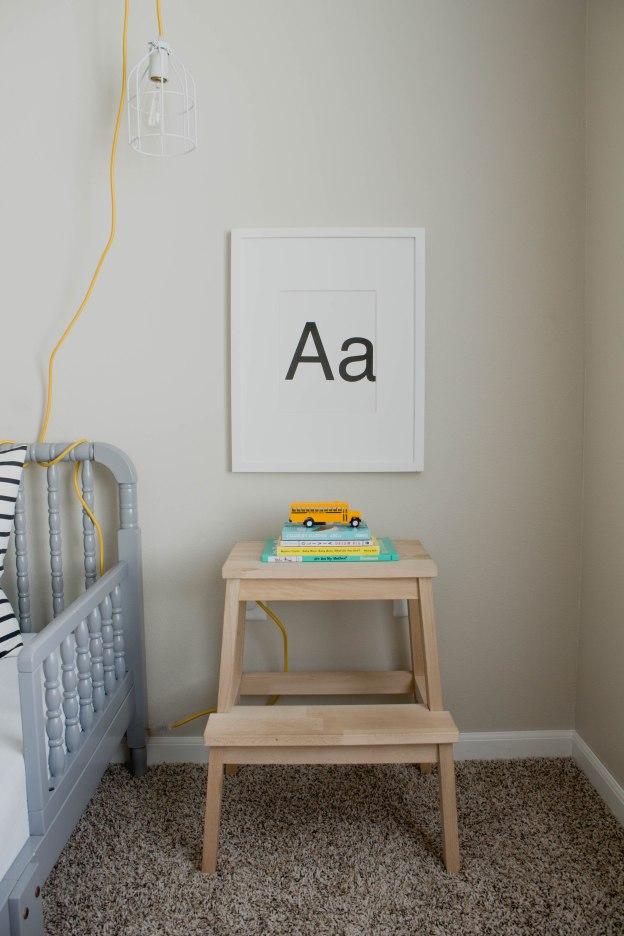 DIY nightstand (via everythingemilyblog)