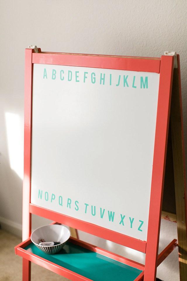 DIY kid whiteboard (via shrimpsaladcircus)
