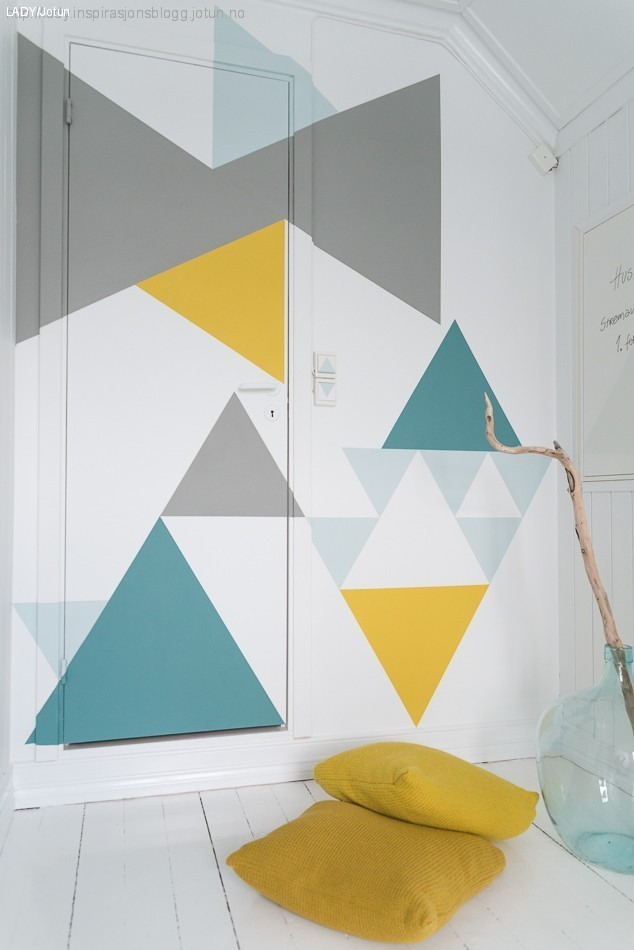 DIY geometric mural (via lady)