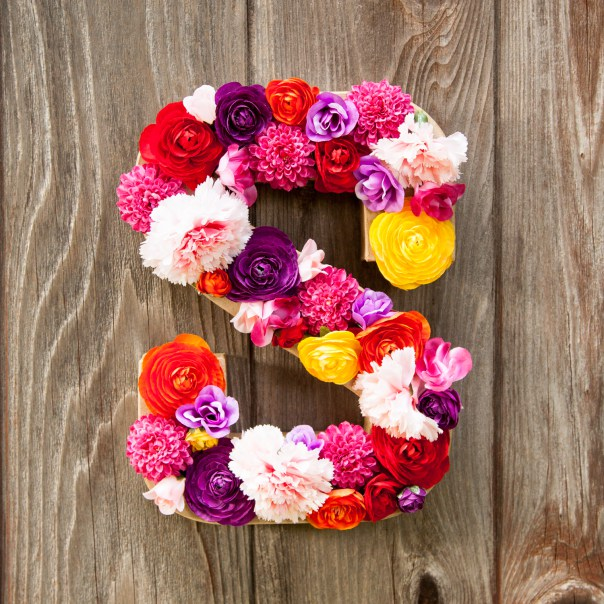 DIY flower letter (via thesassylife)