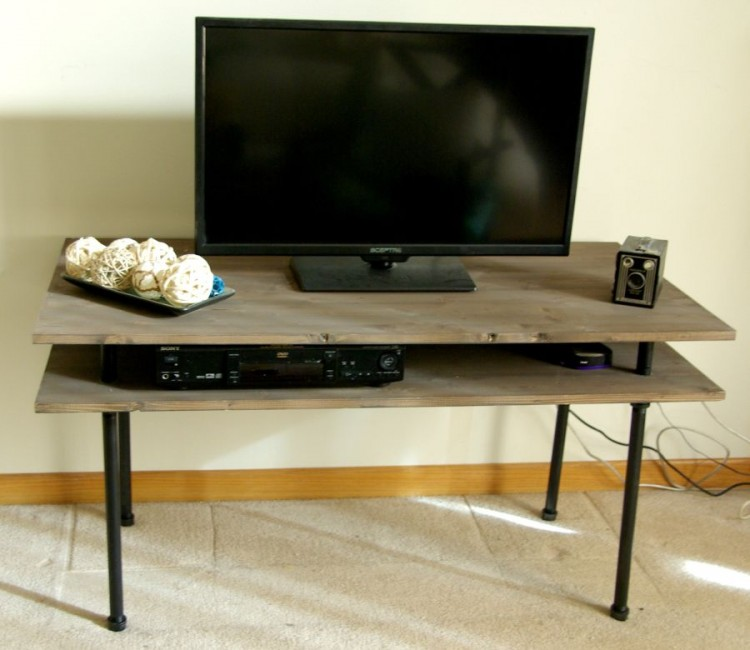 9 cool diy tv stands and consoles to make shelterness. Black Bedroom Furniture Sets. Home Design Ideas