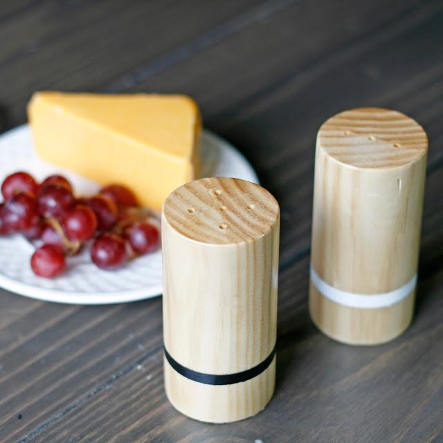 DIY wooden salt and pepper shakers (via pneumaticaddict)