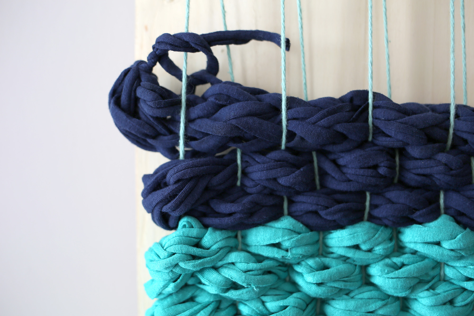 Picture Of diy chunky woven bath mat to make  7