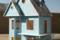 DIY dreamy dollhouse for girls
