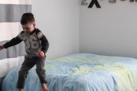 diy-mountain-wall-mural-for-a-kids-room-2