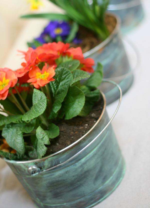 DIY patina planters (via todayscreativelife)