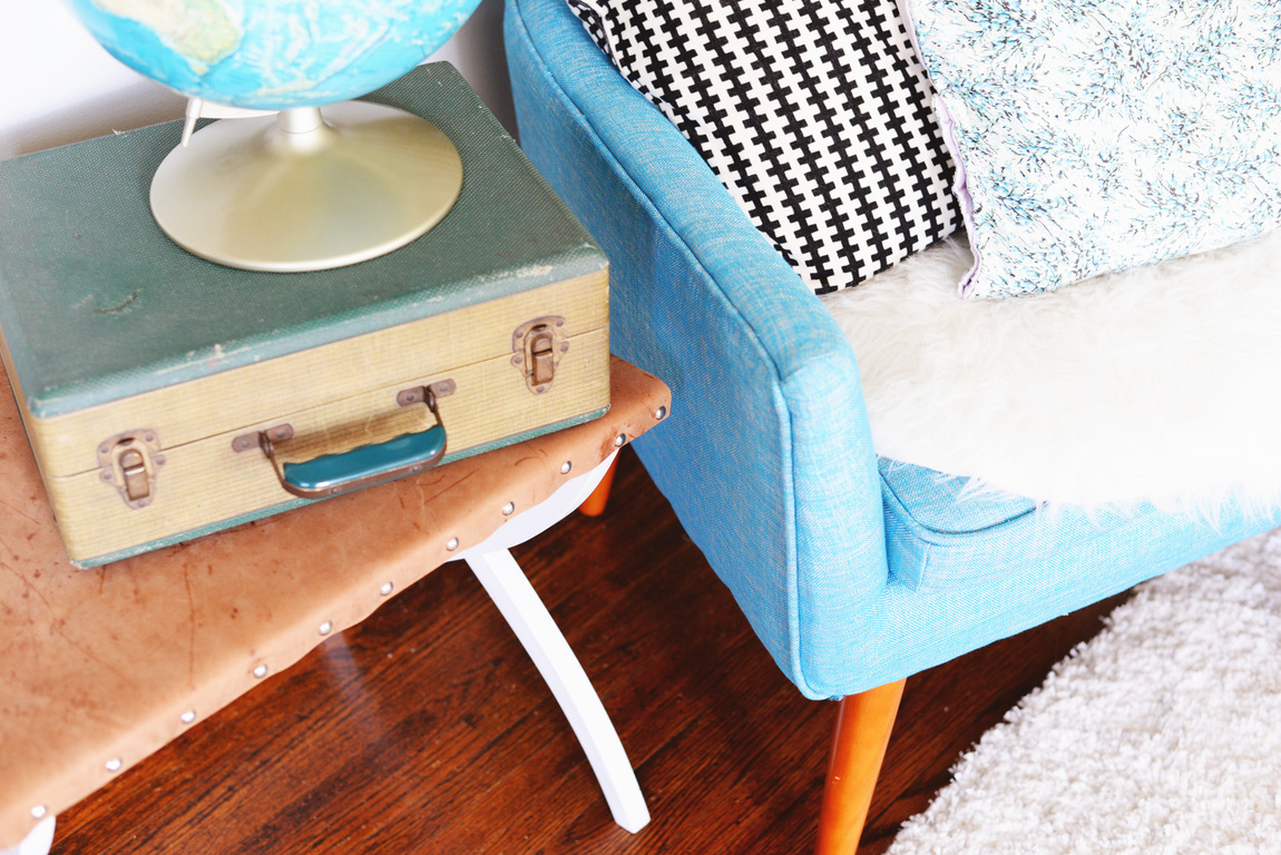 Picture Of diy side table from an old suitcase holder  6