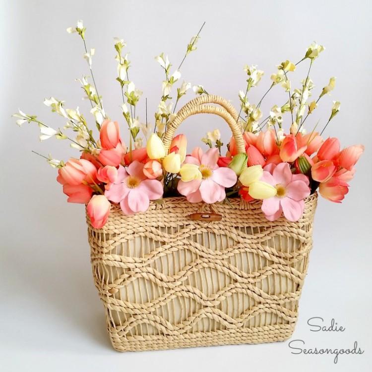 DIY Spring Straw Tote Door Décor