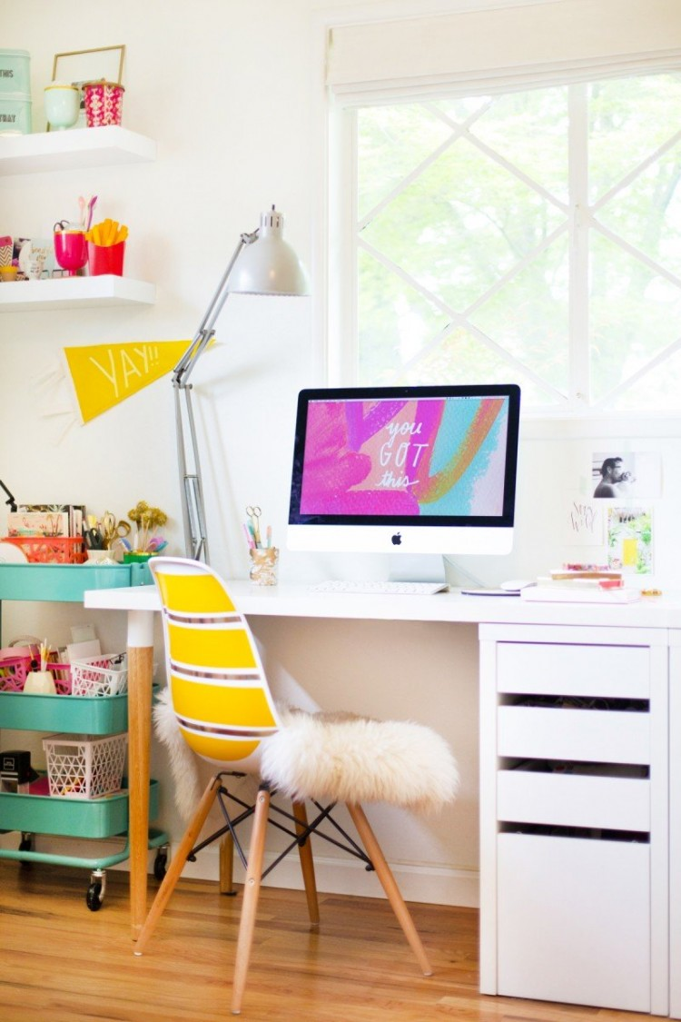 Easy And Cool DIY IKEA Desk Hack