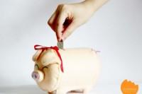 DIY felt piggy bank
