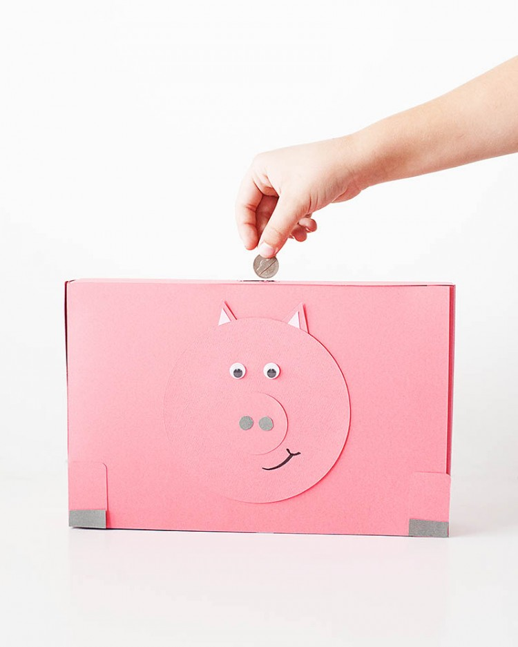 12 fun and cute piggy banks for your kids shelterness for How to make a simple piggy bank