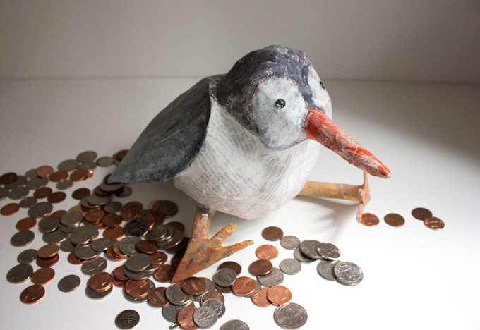 DIY paper mache birdy bank (via adventures-in-making)