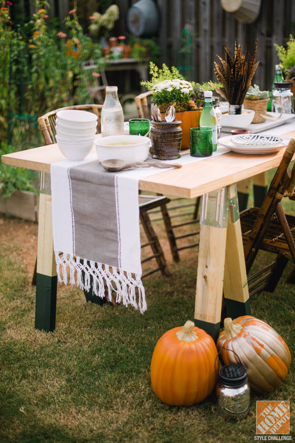 DIY sawhorse dining table (via blog)
