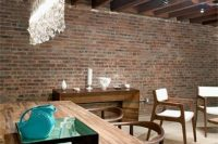 24 exposed wooden ceiling