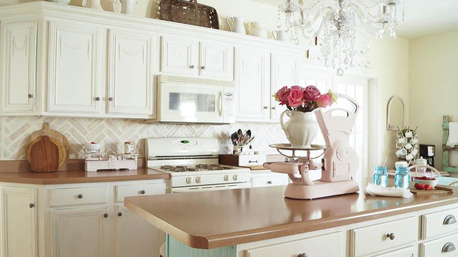 DIY whitewashed kitchen backsplash