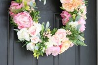 chic-diy-flower-and-greenery-wreath-5