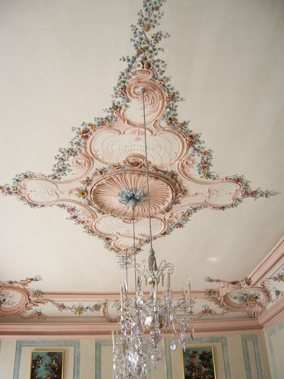 colorful floral molding - Ceiling Molding Design Ideas