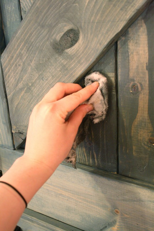 "Do you know that you can ""wash"" any wood surface with paint? This way you still see the wood grain, but you get the color of the paint. (via remodelaholic)"