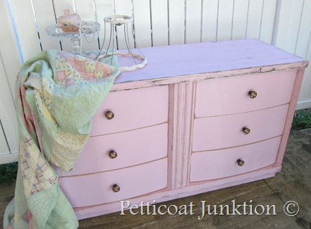 DIY pink dresser (via petticoatjunktion)