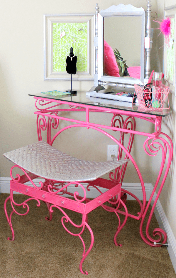 DIY forged pink vanity (via freshideastudio)