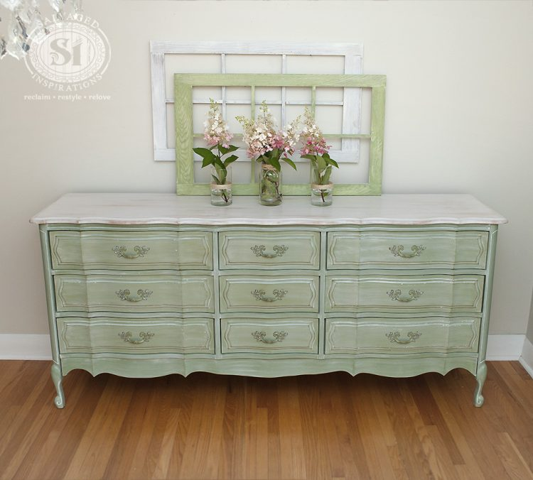 DIY Whitewash Furniture Projects For Shabby Chic Décor