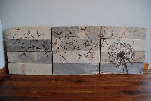 DIY painted reclaimed wood wall art (via shelterness)