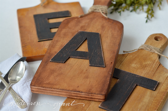 DIY cutting board wall art (via andersonandgrant)