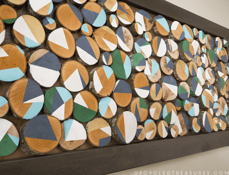DIY bold wood slice wall art (via mountainmodernlife)