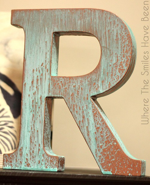 DIY copper patina letters (via wherethesmileshavebeen)