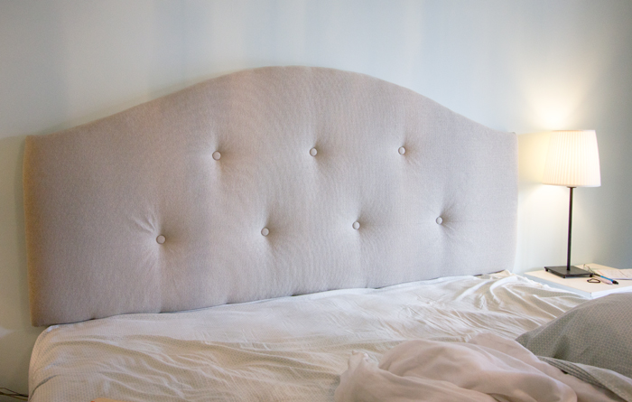 DIY upholstered tufted headboard (via blog)