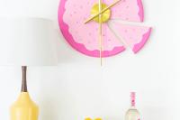 fun-and-bold-diy-sliced-cake-wall-clock-1