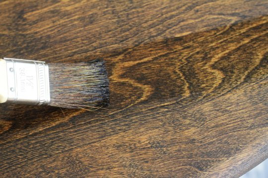 How to stain a wooden table (via apartmenttherapy)