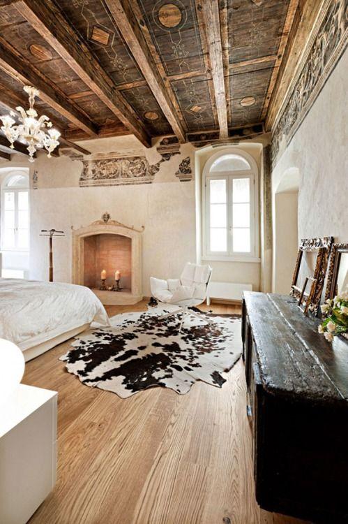 refined patterned vintage wooden ceiling