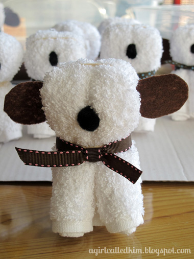 DIY wash cloth puppy favor (via agirlcalledkim)