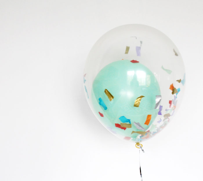 DIY balloon in balloon with confetti inside (via babiekinsmag)