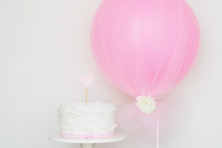 DIY tulle balloons (via sweetsociety)
