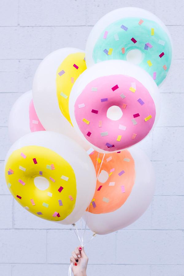 DIY donut balloons (via studiodiy)
