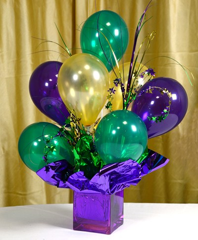 DIY balloon centerpiece (via blog)