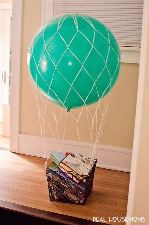 DIY hot air balloon basket (via realhousemoms)